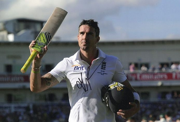 Kevin Pietersen, England, Ashes series 2013, signed 12x8 inch photo.